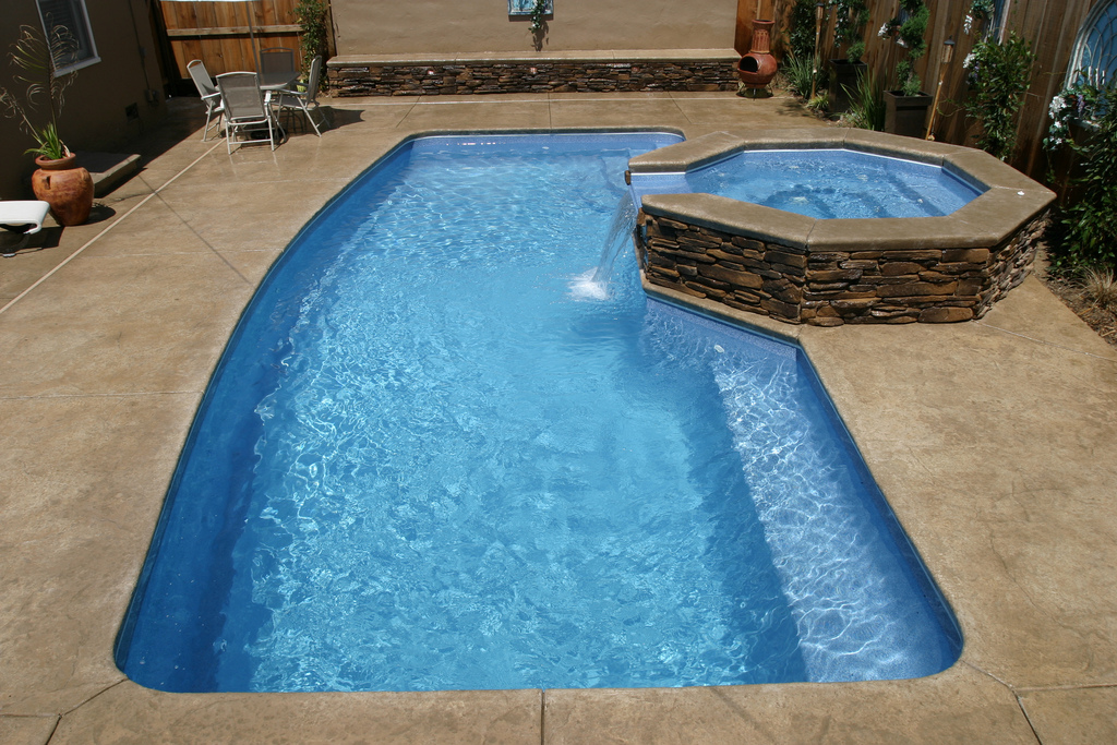 Image of In-ground Fiberglass Pool with Spa in Backyard in Ontario