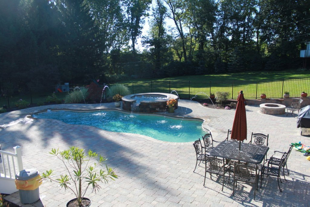 Image of Residential In-ground Fiberglass Pool With Accessories - Ontario